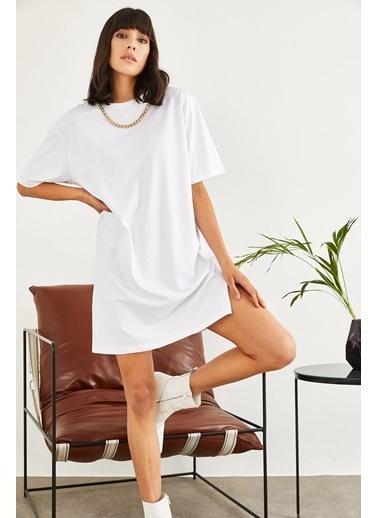 Sortee Kadın Yakası Zincirli Oversize T-Shirt Beyaz